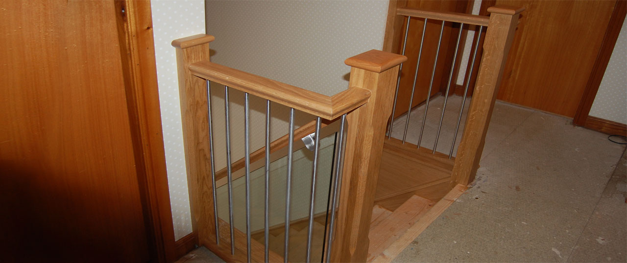Slide-4-Metal-rails-oak